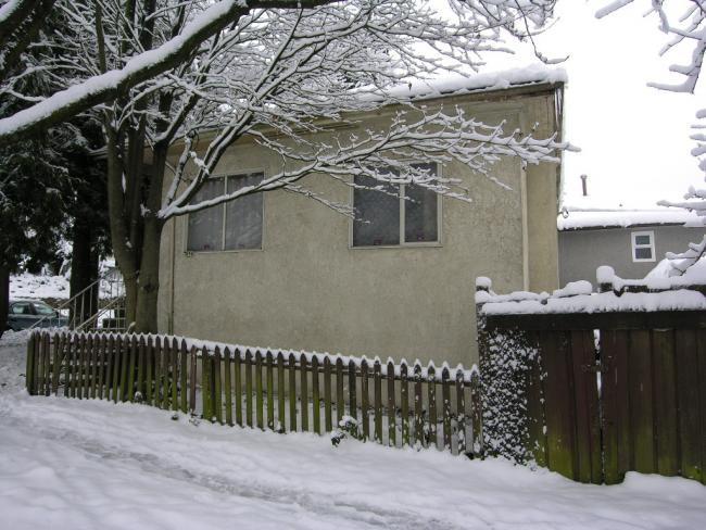 Main Photo: 896 860 East 35th Avenue in Vancouver: Home for sale