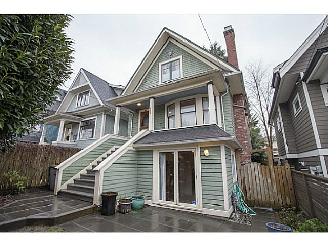 Main Photo: 816 E 30TH Avenue in Vancouver: Fraser VE House for sale (Vancouver East)  : MLS®# V1100189