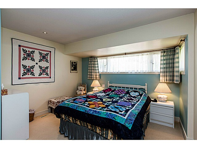 Photo 13: 109 COLLEGE CRT Court in New Westminster: Queens Park House for sale : MLS(r) # V1116800