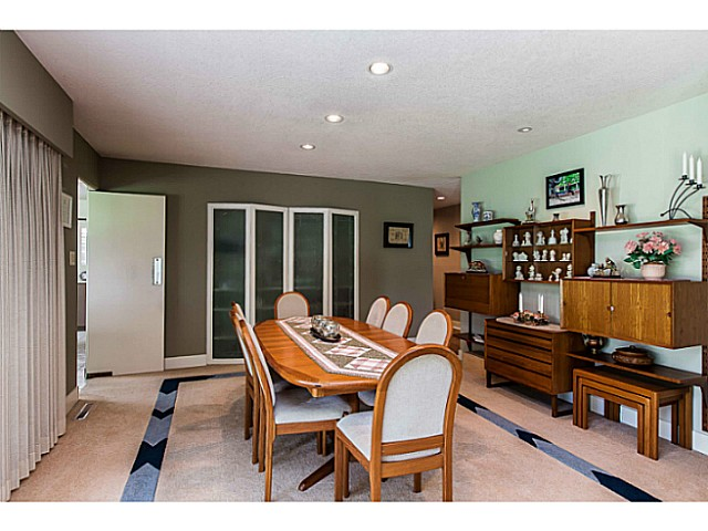 Photo 6: 109 COLLEGE CRT Court in New Westminster: Queens Park House for sale : MLS(r) # V1116800