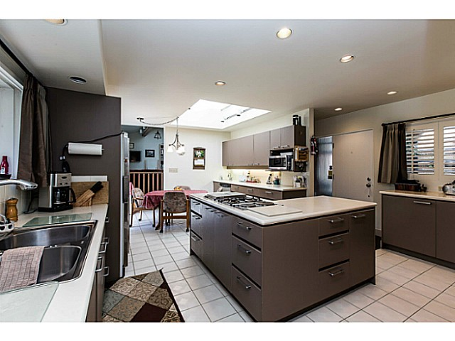 Photo 7: 109 COLLEGE CRT Court in New Westminster: Queens Park House for sale : MLS(r) # V1116800