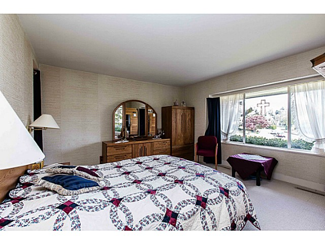 Photo 16: 109 COLLEGE CRT Court in New Westminster: Queens Park House for sale : MLS(r) # V1116800