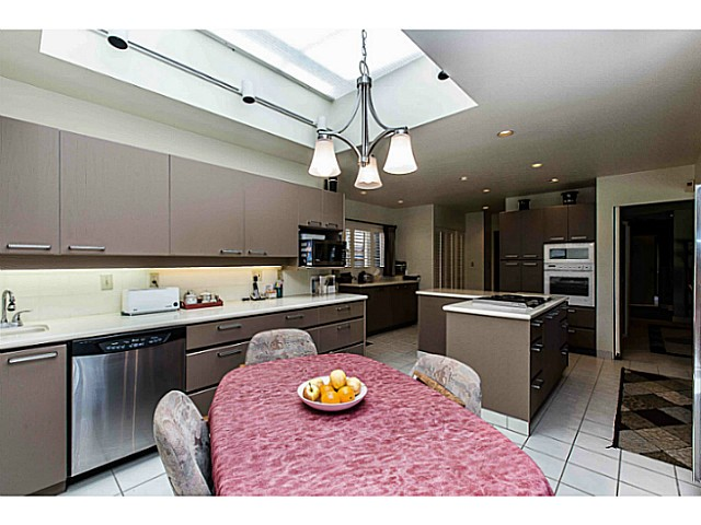 Photo 8: 109 COLLEGE CRT Court in New Westminster: Queens Park House for sale : MLS(r) # V1116800