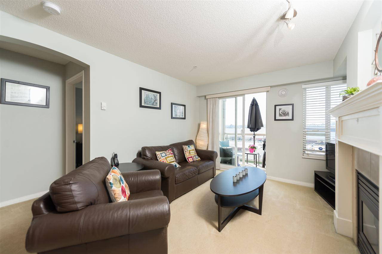 "Photo 2: 313 333 E 1ST Street in North Vancouver: Lower Lonsdale Condo for sale in ""Vista West at Hamersely"" : MLS® # R2053980"
