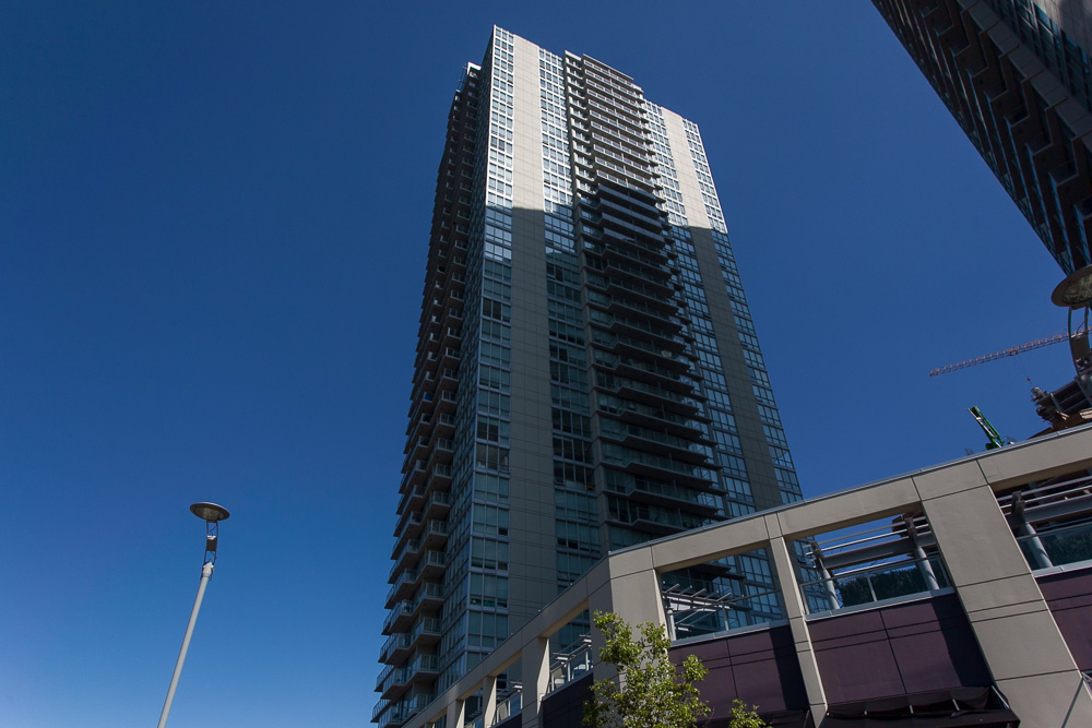 "Main Photo: 2806 13688 100TH Avenue in Surrey: Whalley Condo for sale in ""Park Place One"" (North Surrey)  : MLS®# R2054021"