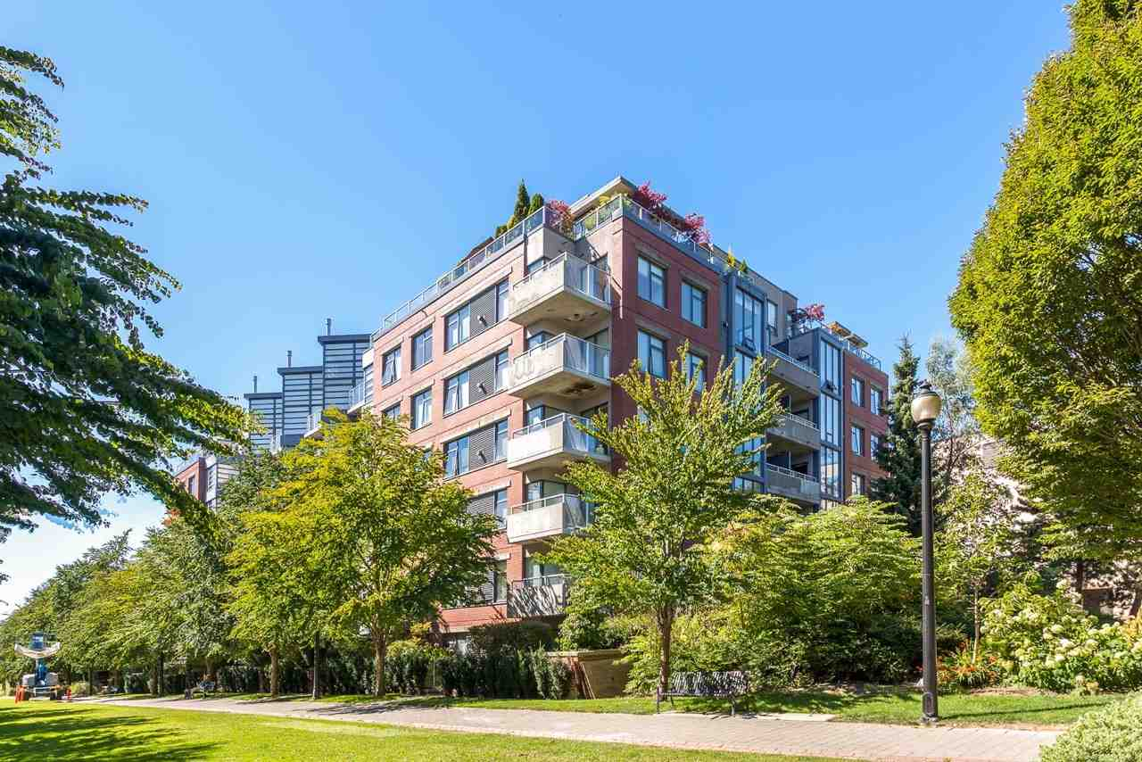 "Photo 18: 614 2228 MARSTRAND Avenue in Vancouver: Kitsilano Condo for sale in ""SOLO"" (Vancouver West)  : MLS® # R2096818"