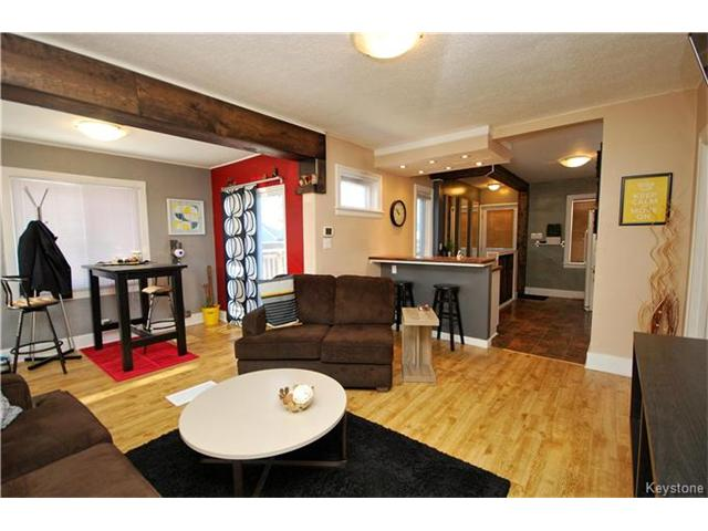 Photo 3: 27 Harrowby Avenue in Winnipeg: St Vital Residential for sale (2D)  : MLS(r) # 1701710