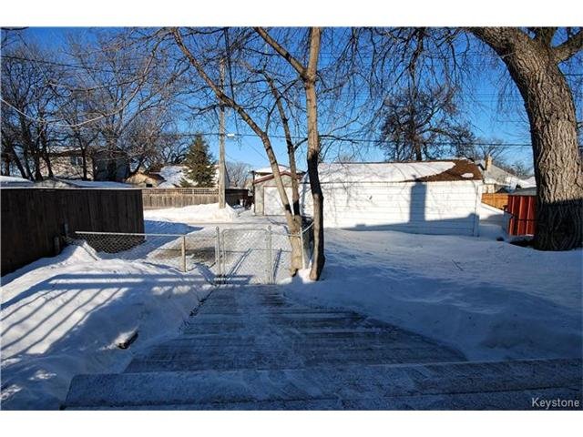 Photo 13: 27 Harrowby Avenue in Winnipeg: St Vital Residential for sale (2D)  : MLS(r) # 1701710