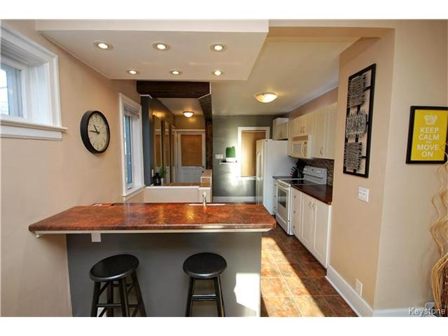 Photo 11: 27 Harrowby Avenue in Winnipeg: St Vital Residential for sale (2D)  : MLS(r) # 1701710