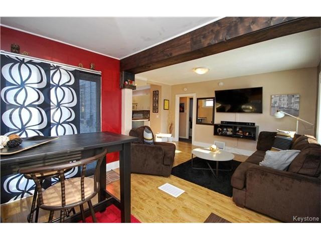 Photo 2: 27 Harrowby Avenue in Winnipeg: St Vital Residential for sale (2D)  : MLS(r) # 1701710