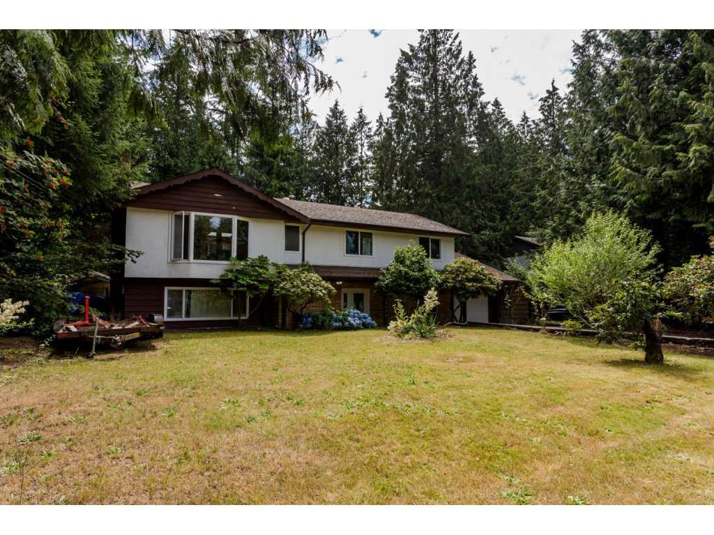 Main Photo: 19916 35A AVENUE in : Brookswood Langley House for sale : MLS(r) # R2089477