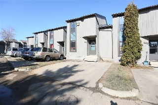 Main Photo: 592 SADDLEBACK Road in Edmonton: Zone 16 Townhouse for sale : MLS(r) # E4056984