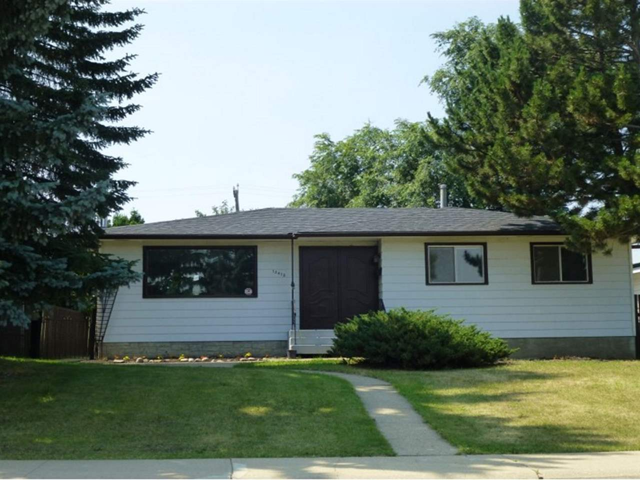 Main Photo: 13412 57 Street in Edmonton: Zone 02 House for sale : MLS® # E4056948