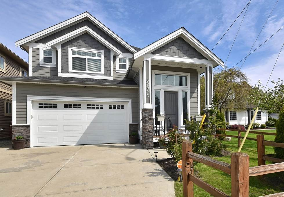 Main Photo: 32923 SYLVIA Avenue in Mission: Mission BC House for sale : MLS(r) # R2165863