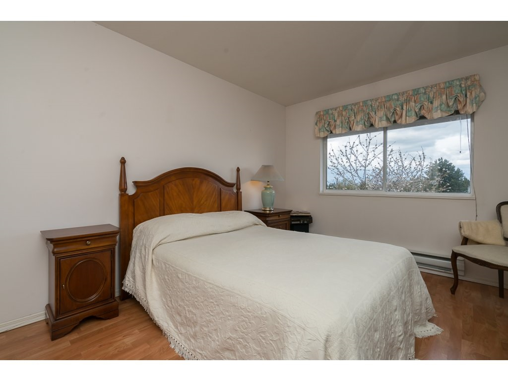 Photo 10: 435 33173 OLD YALE ROAD in Abbotsford: Central Abbotsford Condo for sale : MLS® # R2158027