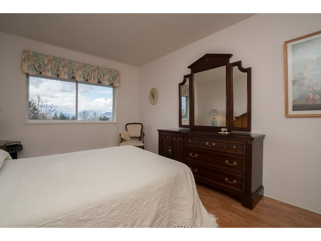 Photo 11: 435 33173 OLD YALE ROAD in Abbotsford: Central Abbotsford Condo for sale : MLS® # R2158027