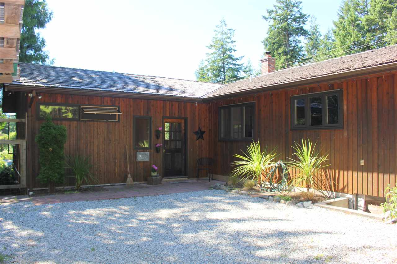 "Main Photo: 8175 WESTWOOD Road in Halfmoon Bay: Halfmn Bay Secret Cv Redroofs House for sale in ""WELCOME WOODS"" (Sunshine Coast)  : MLS® # R2180391"