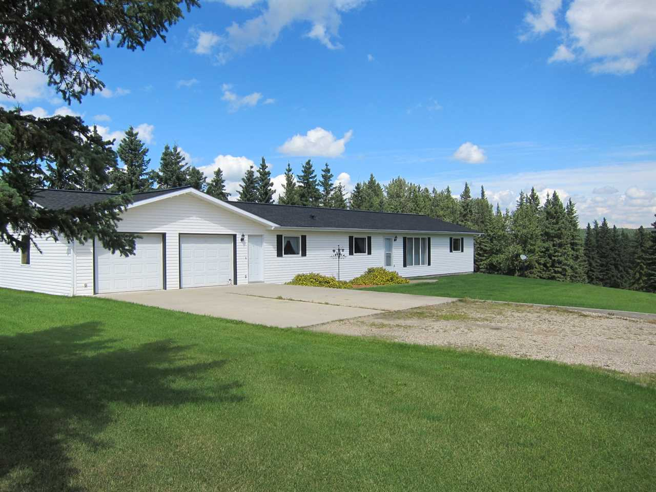 Main Photo: 53204 Rge Rd 70 Parkland County: Rural Parkland County Manufactured Home for sale : MLS® # E4076640