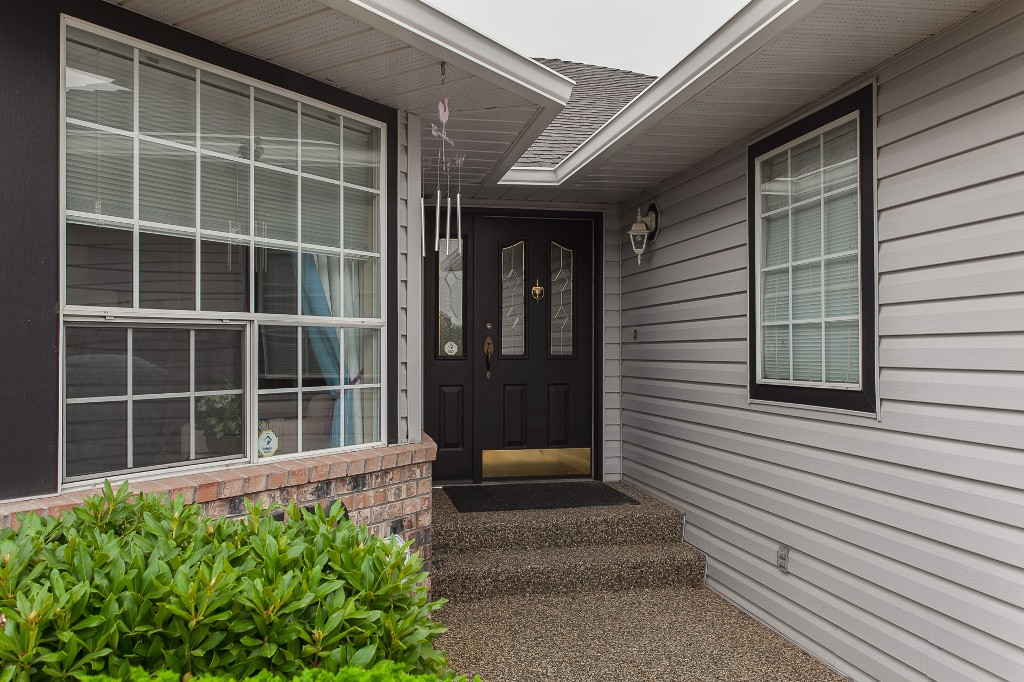 Photo 3: 33540 NORTHVIEW Place in Abbotsford: Central Abbotsford House for sale : MLS® # R2201883