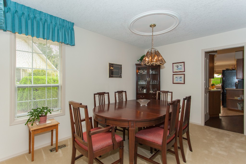 Photo 12: 33540 NORTHVIEW Place in Abbotsford: Central Abbotsford House for sale : MLS® # R2201883