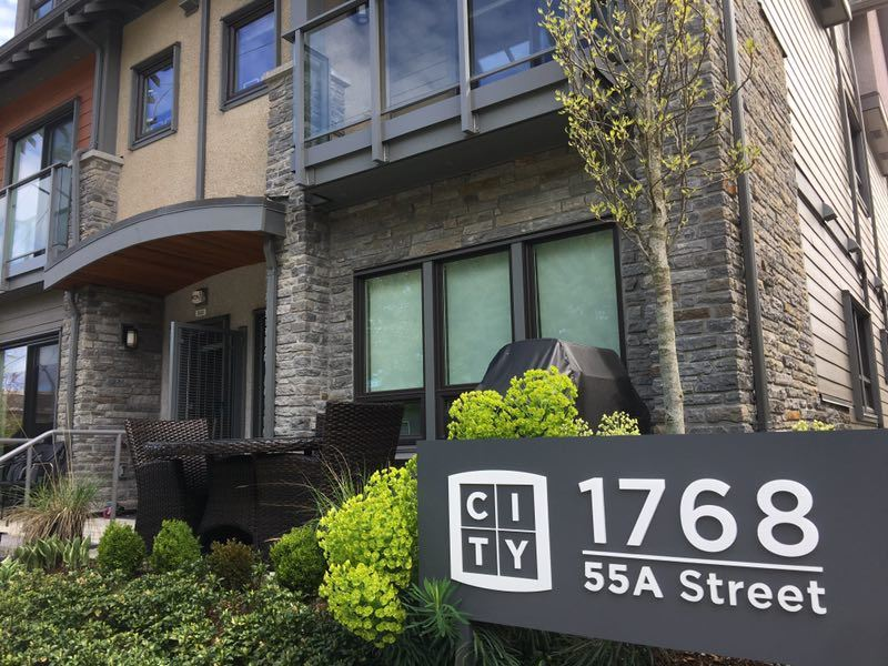 Main Photo: 314 1768 55A STREET in Tsawwassen: Tsawwassen Central Townhouse for sale : MLS® # R2159880