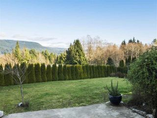 Main Photo: 6123 FAIRWAY Avenue in Sechelt: Sechelt District House for sale (Sunshine Coast)  : MLS® # R2231961