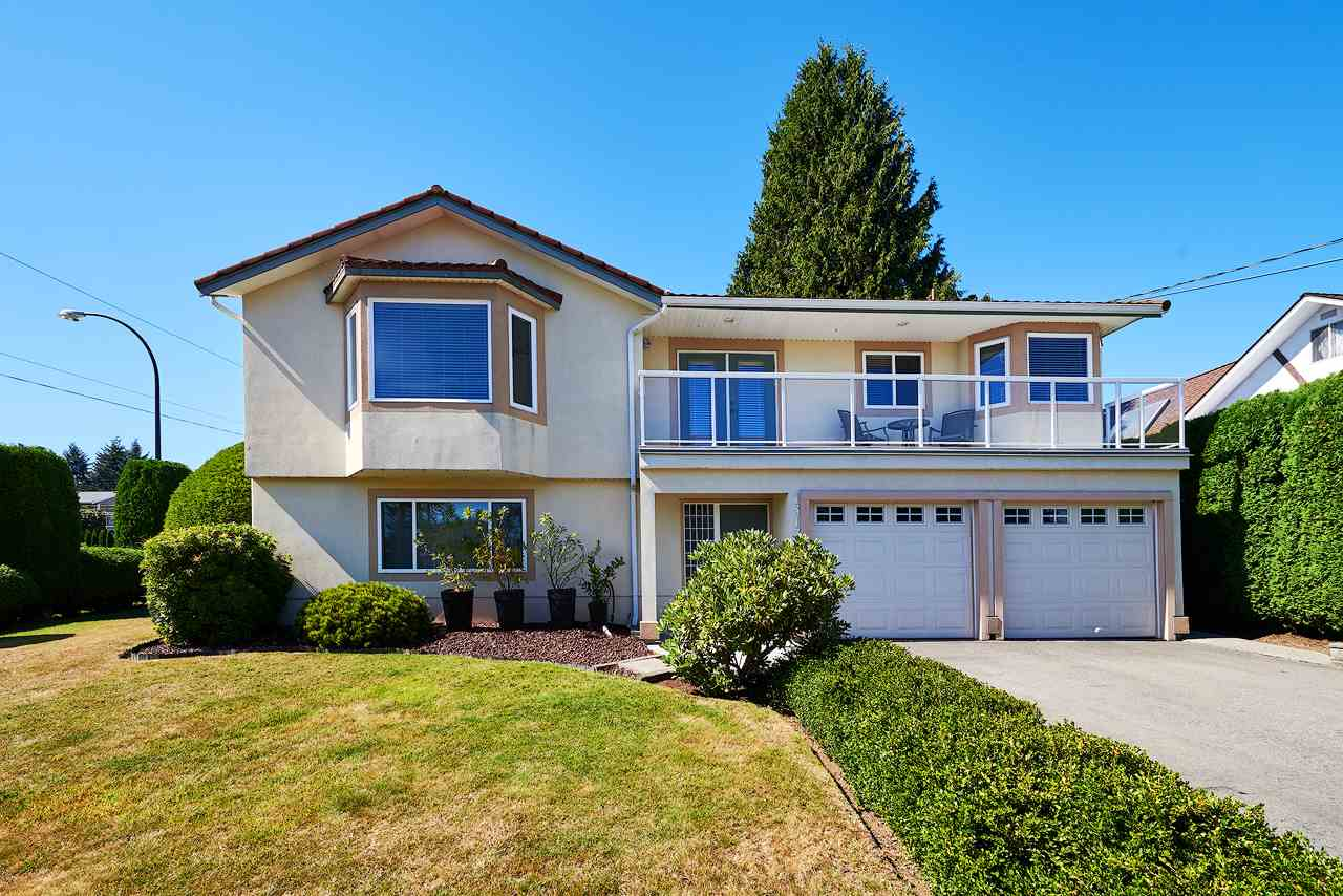 Main Photo: 1313 KENT Street: White Rock House for sale (South Surrey White Rock)  : MLS®# R2247983
