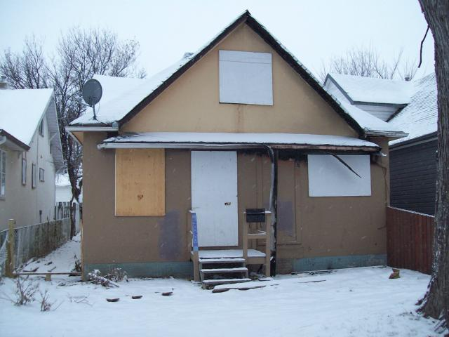 Main Photo: 488 Boyd Avenue in Winnipeg: North End Residential for sale (North West Winnipeg)  : MLS® # 1200314