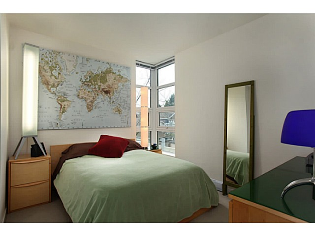 "Photo 13: 301 2528 MAPLE Street in Vancouver: Kitsilano Condo for sale in ""The PULSE"" (Vancouver West)  : MLS® # V1057643"