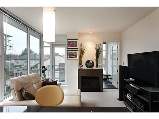 "Photo 7: 301 2528 MAPLE Street in Vancouver: Kitsilano Condo for sale in ""The PULSE"" (Vancouver West)  : MLS® # V1057643"