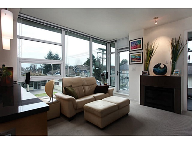 "Photo 6: 301 2528 MAPLE Street in Vancouver: Kitsilano Condo for sale in ""The PULSE"" (Vancouver West)  : MLS® # V1057643"