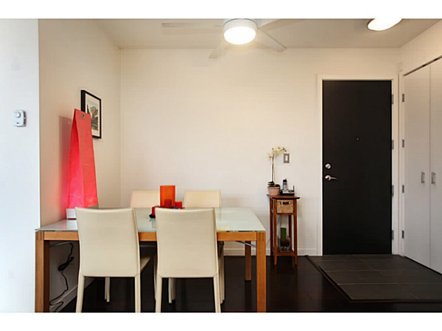 "Photo 10: 301 2528 MAPLE Street in Vancouver: Kitsilano Condo for sale in ""The PULSE"" (Vancouver West)  : MLS® # V1057643"