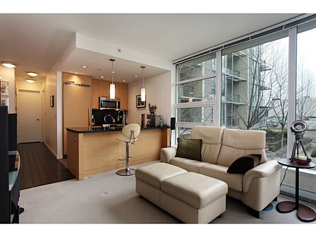 "Main Photo: 301 2528 MAPLE Street in Vancouver: Kitsilano Condo for sale in ""The PULSE"" (Vancouver West)  : MLS® # V1057643"