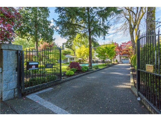 "Photo 2: 1375 W KING EDWARD Avenue in Vancouver: Shaughnessy House for sale in ""1ST SHAUGHNESSY"" (Vancouver West)  : MLS® # V1119114"