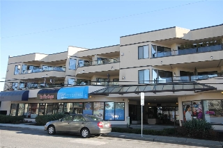 "Main Photo: 306 1440 GEORGE Street: White Rock Condo for sale in ""Georgian Square"" (South Surrey White Rock)  : MLS®# R2020720"