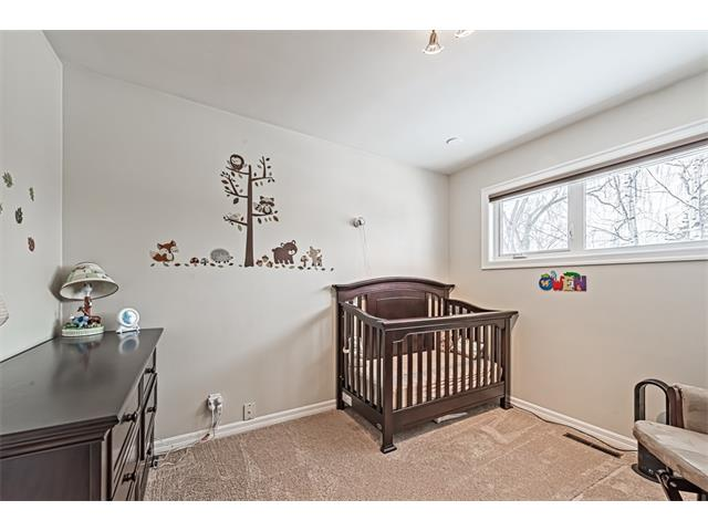Photo 11: 210 WESTMINSTER Drive SW in Calgary: Westgate House for sale : MLS® # C4044926
