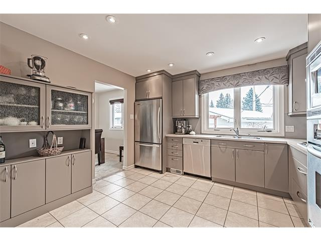 Photo 2: 210 WESTMINSTER Drive SW in Calgary: Westgate House for sale : MLS® # C4044926