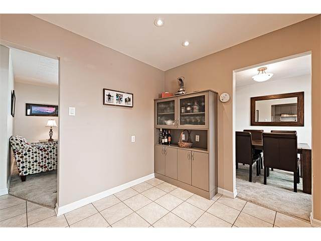 Photo 4: 210 WESTMINSTER Drive SW in Calgary: Westgate House for sale : MLS® # C4044926