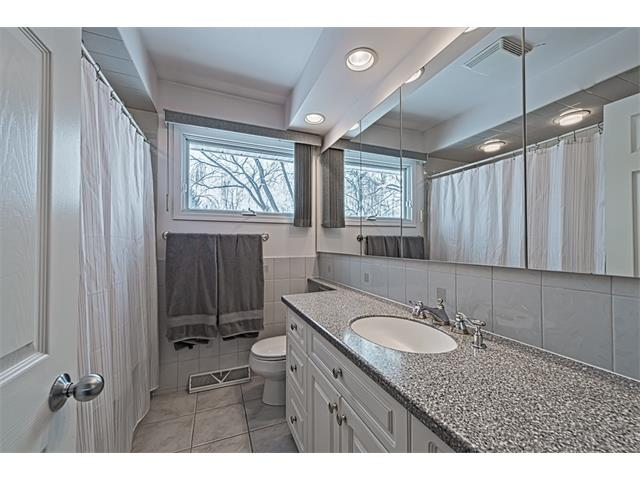 Photo 9: 210 WESTMINSTER Drive SW in Calgary: Westgate House for sale : MLS® # C4044926