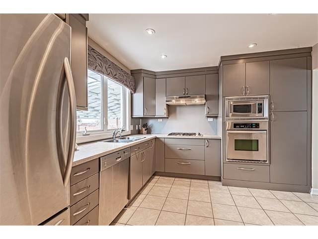 Photo 3: 210 WESTMINSTER Drive SW in Calgary: Westgate House for sale : MLS® # C4044926