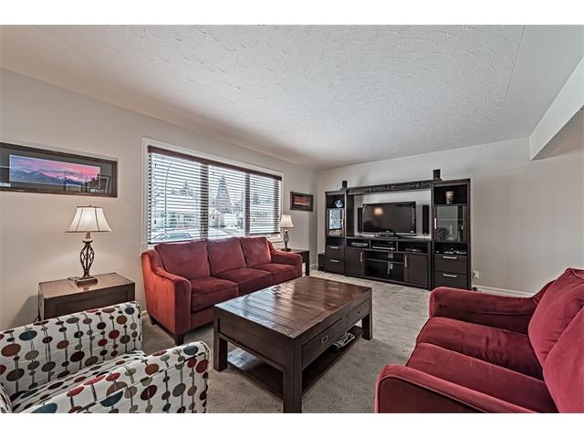 Photo 8: 210 WESTMINSTER Drive SW in Calgary: Westgate House for sale : MLS® # C4044926