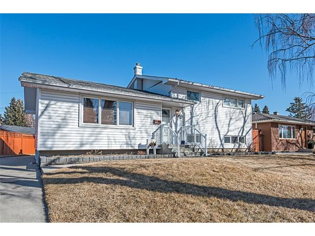 Main Photo: 210 WESTMINSTER Drive SW in Calgary: Westgate House for sale : MLS® # C4044926