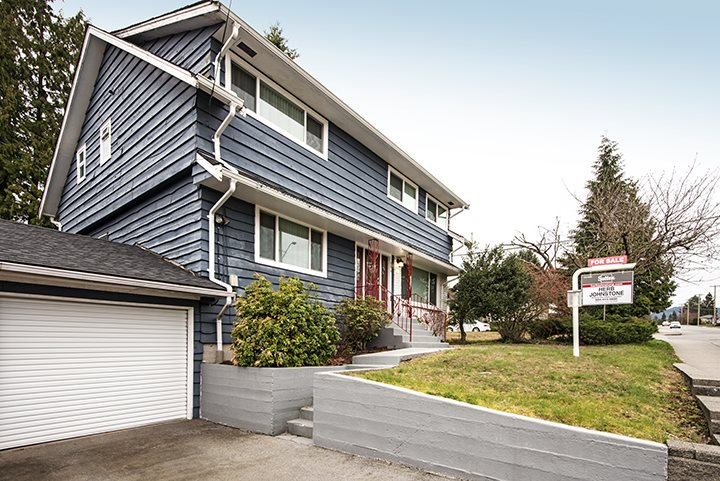 Main Photo: 686 LINTON Street in Coquitlam: Central Coquitlam House for sale : MLS® # R2042739