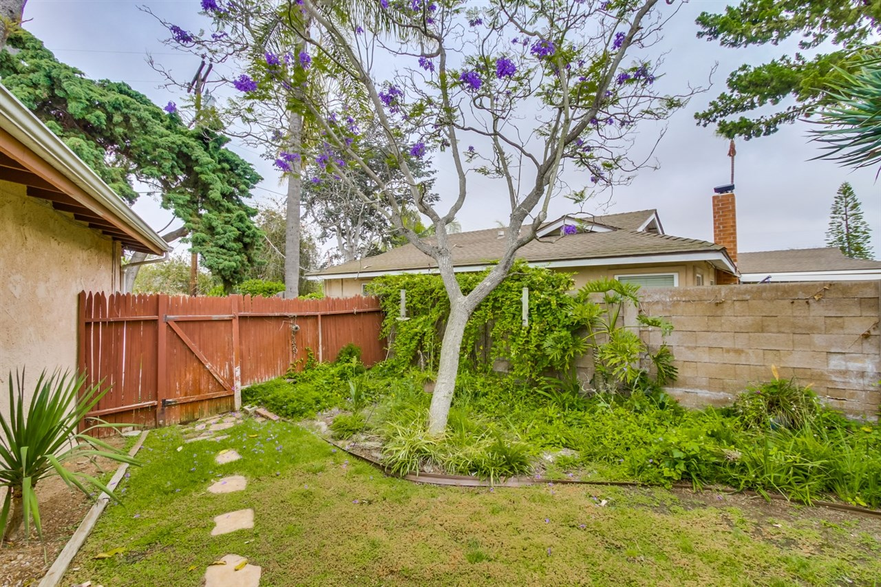 Photo 18: CLAIREMONT House for sale : 3 bedrooms : 3262 Via Bartolo in San Diego
