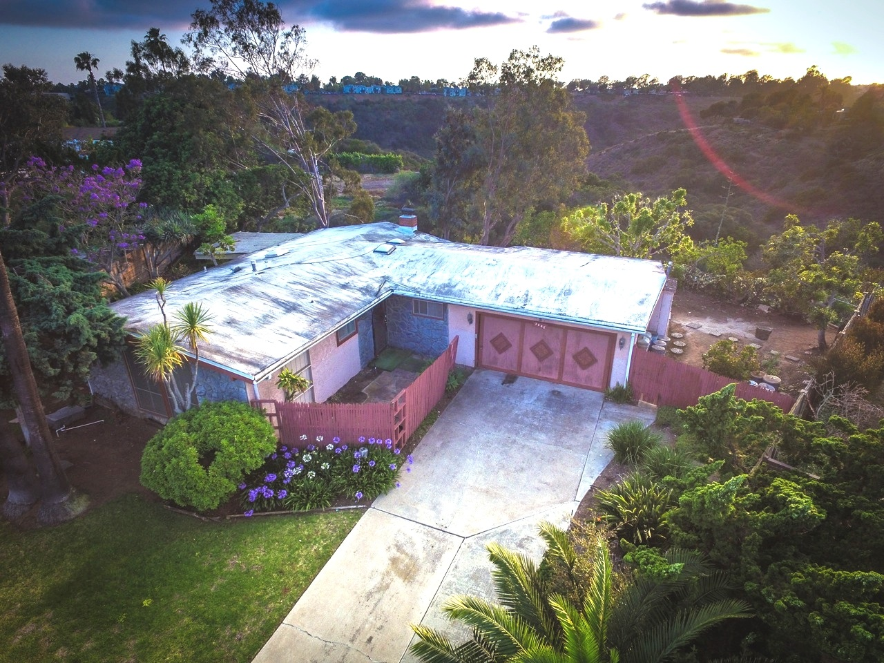Main Photo: CLAIREMONT House for sale : 3 bedrooms : 3262 Via Bartolo in San Diego