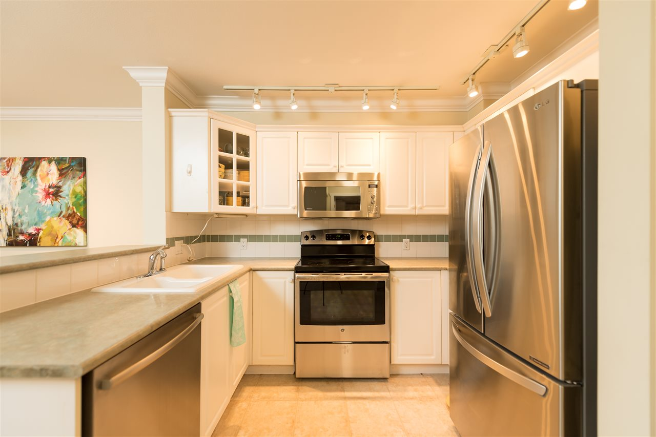 "Photo 9: 109 155 E 3RD Street in North Vancouver: Lower Lonsdale Condo for sale in ""The Solano"" : MLS(r) # R2105943"