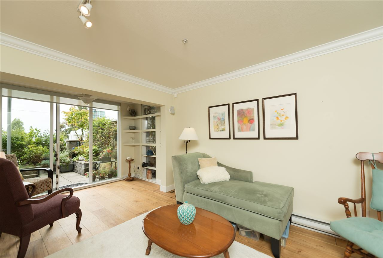 "Photo 5: 109 155 E 3RD Street in North Vancouver: Lower Lonsdale Condo for sale in ""The Solano"" : MLS(r) # R2105943"