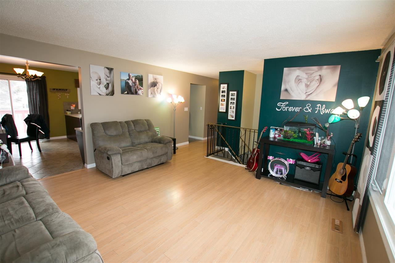 Photo 3: 10707 103 Street: Westlock House for sale : MLS(r) # E4051669