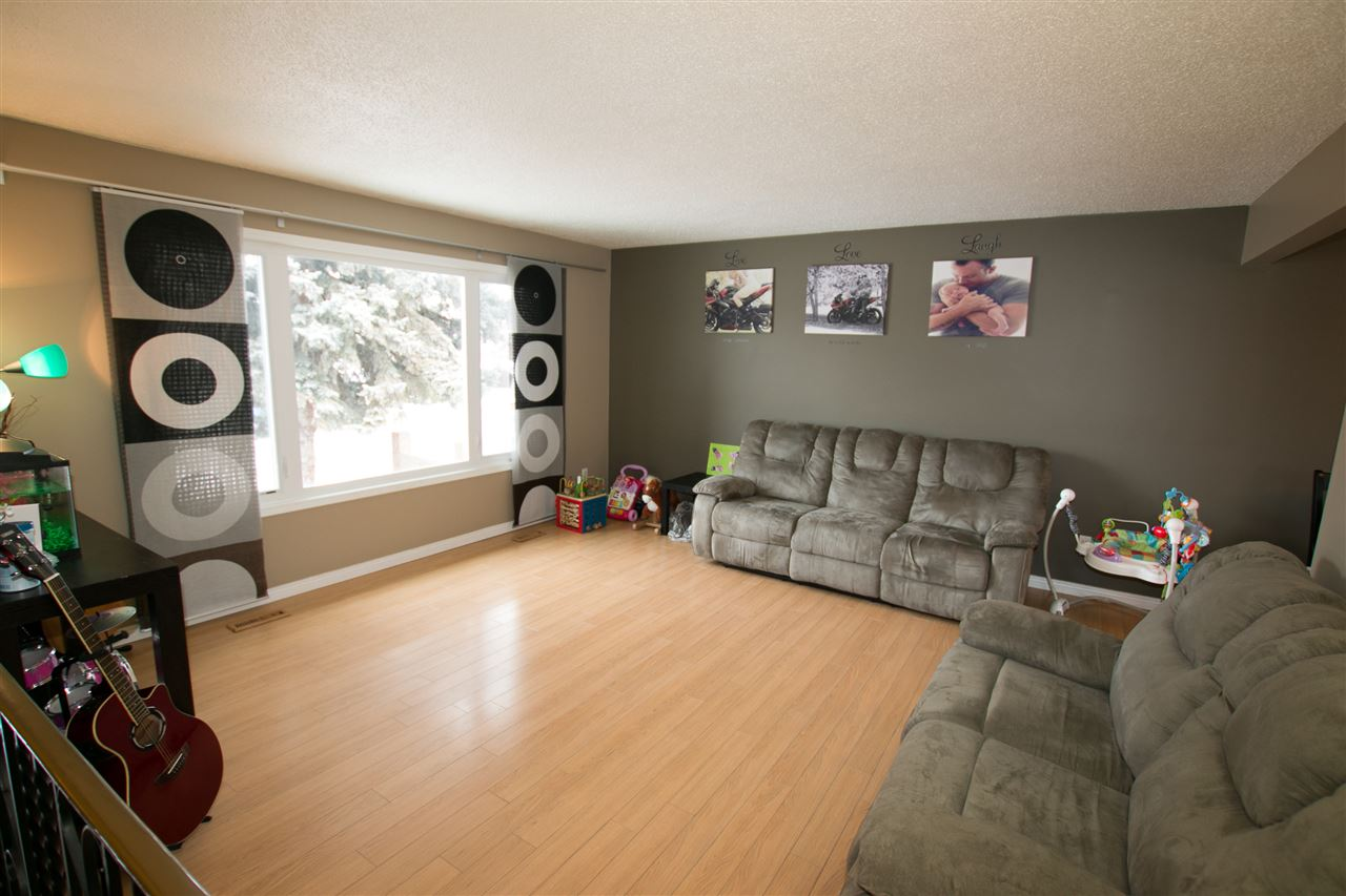 Photo 4: 10707 103 Street: Westlock House for sale : MLS(r) # E4051669