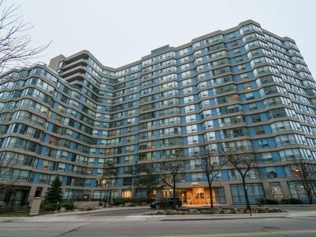 Main Photo: 802 250 Webb Drive in Mississauga: City Centre Condo for sale : MLS® # W3726581